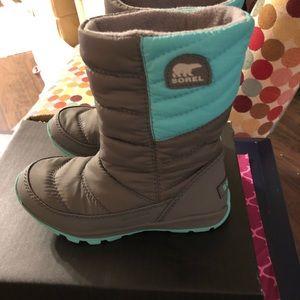 Sorel snow boots girls